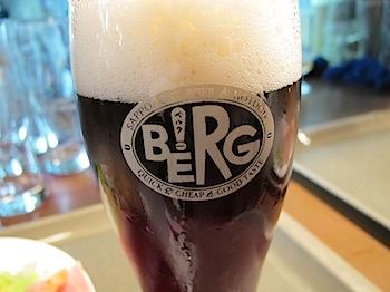「ベルク(BERG)」新宿駅構内で気軽に立ち寄れるのが嬉しいビアバー