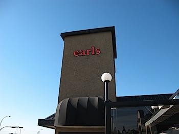 【ネタフル・カナダ支局】レストラン「earls」でカナダのビールを飲む!