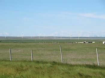 【ネタフル・カナダ支局】ロッキーから吹き下ろす強風で風力発電