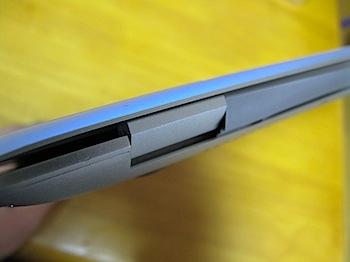 「MacBook Air」ヒンジが壊れる