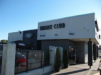 【ネタフル・カナダ支局】SHARK CLUBで手羽先を食べまくる