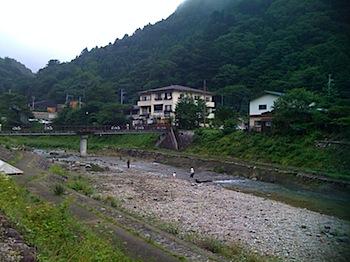 板室温泉・那珂川で川遊び(那須)