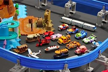 「ディズニーモータース」ディズニーとトミカのコラボミニカー(東京MS)