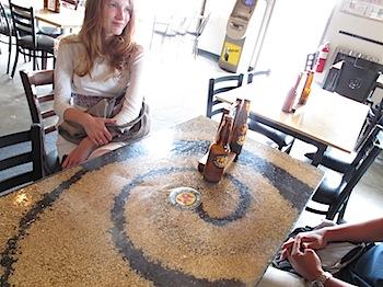 【ネタフル・カナダ支局】カルガリーのクラフトビール「ワイルドローズブルワリー(Wild Rose Brewery)」試飲!