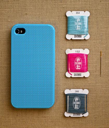 クロスステッチで刺繍できるiPhoneケース