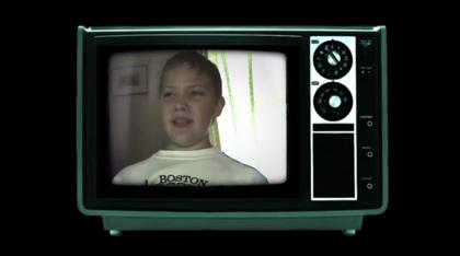 【動画】20年前の自分と会話する男性