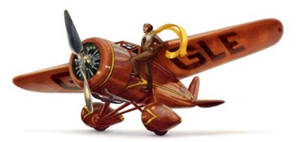 Googleロゴ「アメリア イアハート(Amelia Earhart)」に