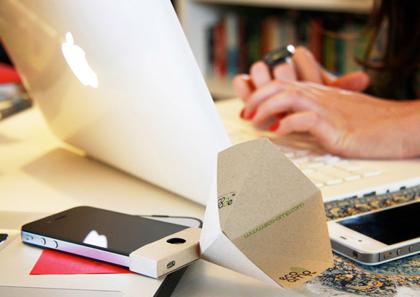紙で作るiPhone用スピーカー「eco-amp」