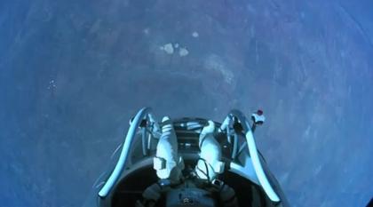 【動画あり】音速に到達した成層圏からのスカイダイビングが凄すぎる!!