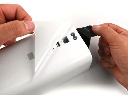 iFixitが「AirMac Extreme」を分解 → あの縦長の筐体の中身はどうなっているのか?