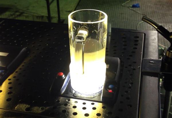 【動画あり】「トルネード・ディスペンサー」ビールを下から注ぐビールサーバ