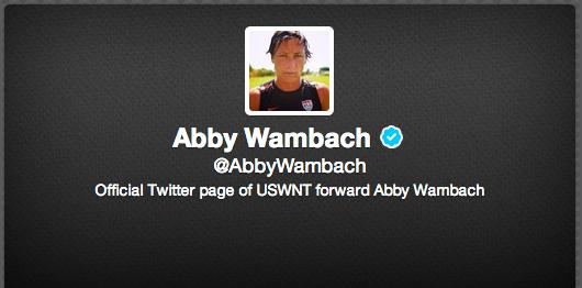 女子サッカー・アメリカ代表のアビー・ワンバック、チームメイトのサラ・ハフマンと結婚