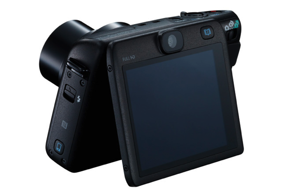 「PowerShot N100」チルト液晶に背面カメラを搭載