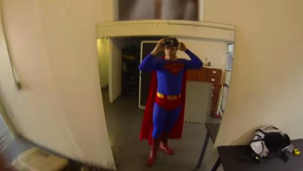 【動画あり】もしもスーパーマンがGoProを付けていたら?