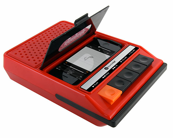 「iRecorder」レトロなカセットプレーヤータイプのiPhone用スピーカー