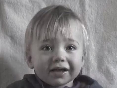 【動画あり】赤ちゃんが少女になるまで。4分に凝縮された0〜14歳の記録が感動的