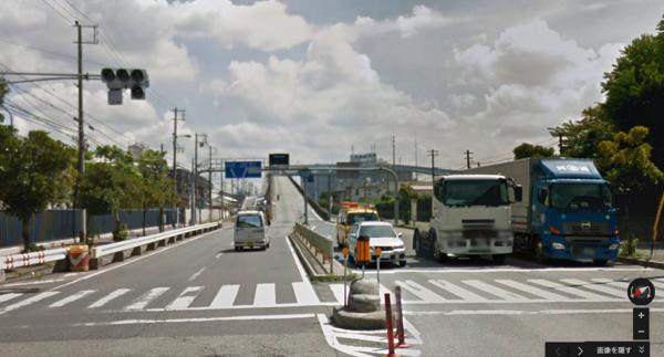 大阪にはテレビCMより急勾配の「ベタ踏み坂」があった!Googleストリートビューで探してみたよ