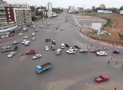 【動画あり】信号がないのによく事故らないなっていう交通量の多い交差点