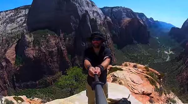 【動画あり】600日かけて36カ国をバイクで旅した様子をGoProで自分撮り(Selfie)した映像の美しさにシビれる!