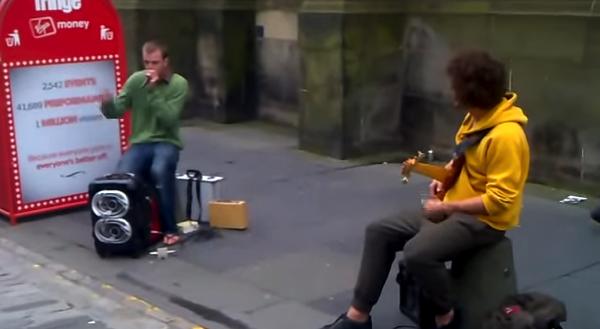 【動画】ビートボクサーとベーシストのストリートでのジャムセッションが超クール!