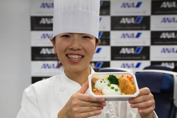 【ANA国際線】デコ弁!新しい子供向け機内食を食べたら大人にも美味しかった!