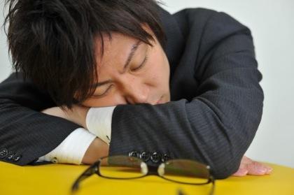 6時間以下の睡眠を1週間続けると炎症・免疫などの遺伝子に影響あることが明らかに
