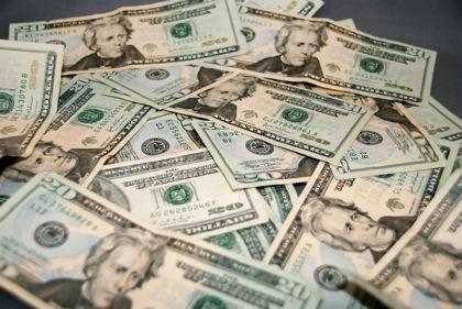 国内アフィリエイト市場、1,052億円(平均報酬額は3,116円/月)