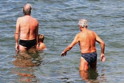 健康面に支障なく日常生活できる「健康寿命」は男性70歳・女性73歳