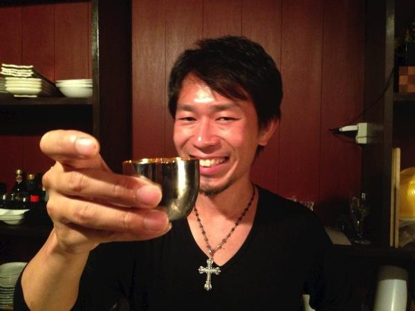 六花界モリタ氏の新店「五色桜」姿・田酒・風の森‥‥冷蔵庫の日本酒が全て飲み放題!純米酒三昧の立ち呑み店