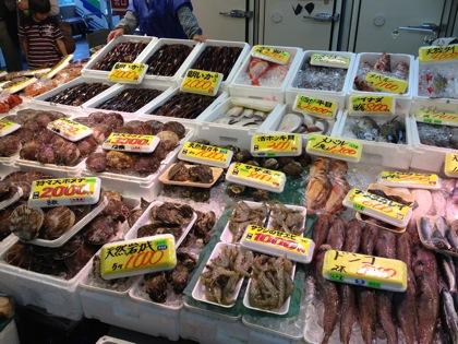 「八食センター」買ったばかりの魚介類を七輪村で焼いて喰らう!(八戸)