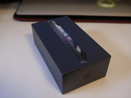 「iPhone 5」入手!機種変更 → 開封の儀 → 復元をレポート