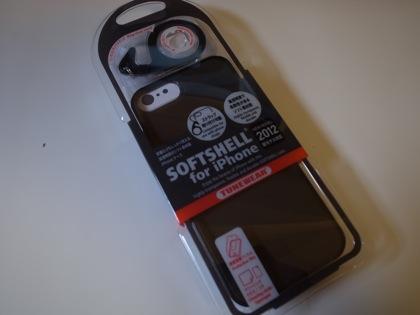 【iPhone 5】傷がつきやすいと聞いたので「TUNEWEAR SOFTSHELL」導入
