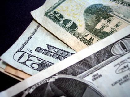 【お小遣い】70代の平均は52,600円/月