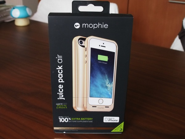 iPhone用バッテリケース「mophie juice pack air」薄いので一体感、持った感じが素晴らしい