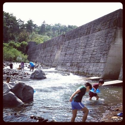 子供の川遊びに最適な余笹川(那須)