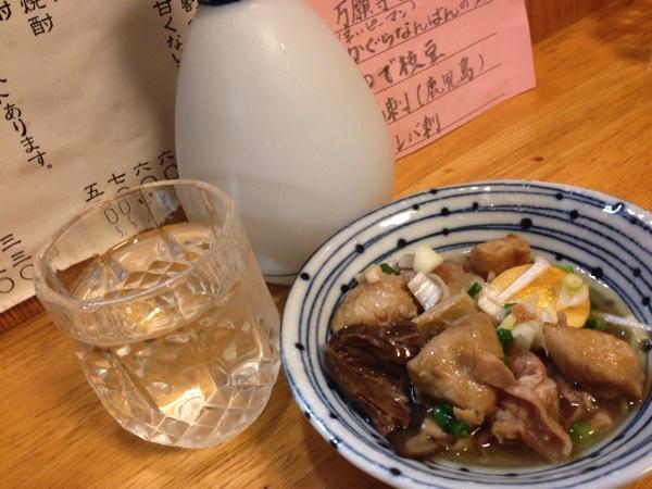 「ひな鶏そのだ(大井町)」名物はひな鶏の素揚げ!鶏煮込み・せせり山椒・鶏はらみにに焼酎や冷酒が旨い!