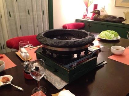 【閉店】「石頭楼(スートウロウ)(白金台)」豚肉と牛肉の旨味を胡麻油に煮とじ込める!鍋が旨味!
