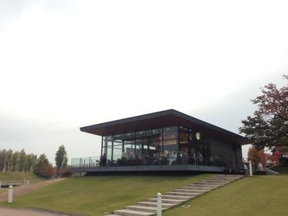 美しすぎるスターバックス!?世界一美しいスターバックス「スターバックス富山環水公園店」