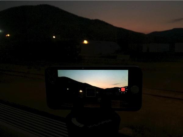 【iOS 8・タイムラプス動画】カナダ「VIA鉄道」車窓から見えた夜明けをiPhoneのタイムラプス機能で撮影に成功! #アルバータ秋旅 #カナダ