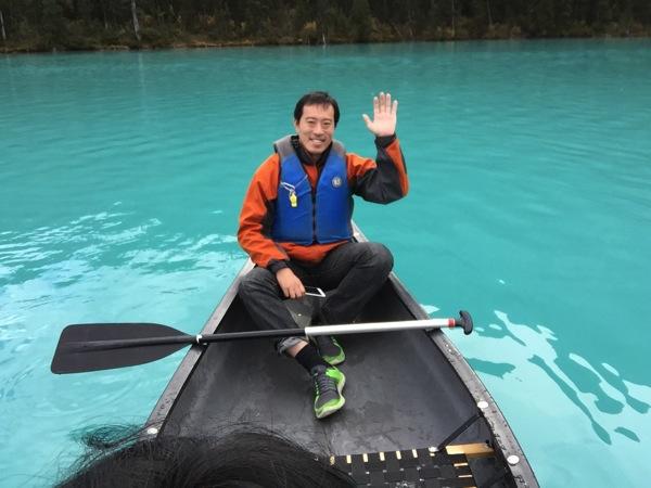 青い湖「レイク・ルイーズ」にカヌーで漕ぎ出せ! #アルバータ秋旅 #カナダ