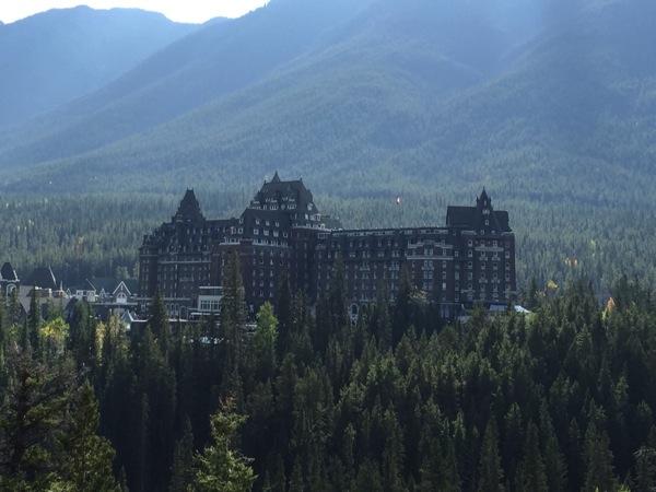 「ザ フェアモント バンフ スプリングス」まるでハリーポッターの世界!古城のようなホテルに宿泊 #アルバータ秋旅 #カナダ