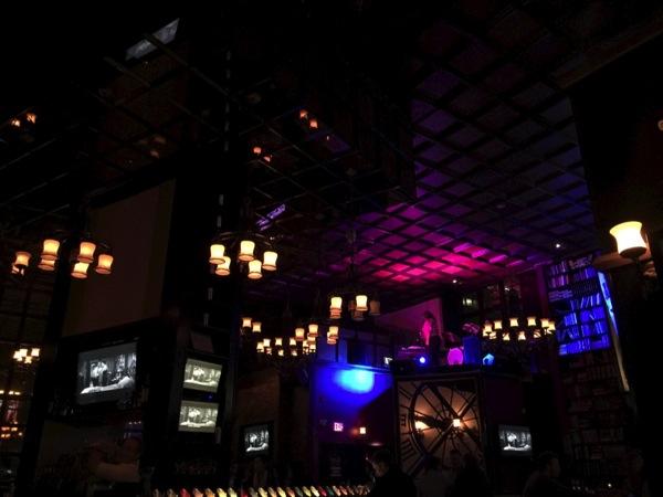 「BLVD Kitchen & Bar(エドモントン)」ベーコンの入ったクラマトジュースのカクテルが飲める #アルバータ秋旅 #カナダ