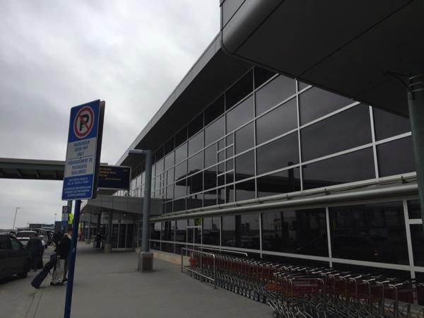【エアカナダ】エドモントン国際空港からバンクーバー国際空港へ #アルバータ秋旅 #カナダ