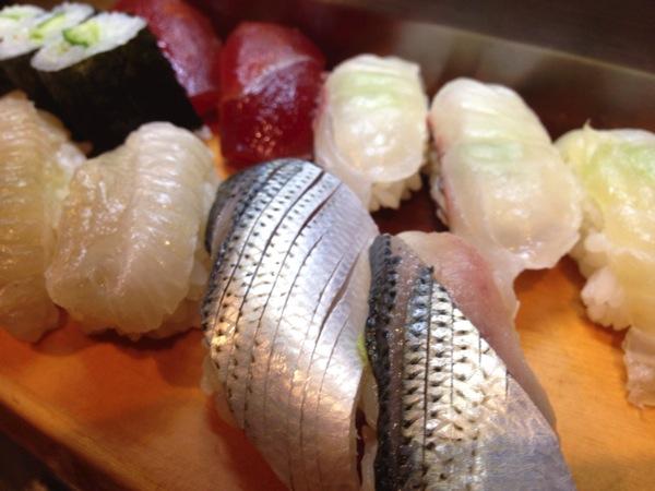 【閉店】「都々井(五反田)」五反田に行ったら必ず立ち寄るべき駅前の立食い寿司、もちろん呑める。