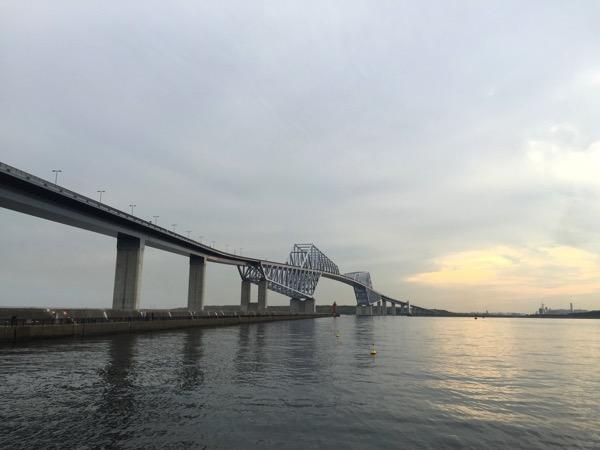 「東京ゲートブリッジ」若洲海浜公園からエレベータで歩道に上がれる