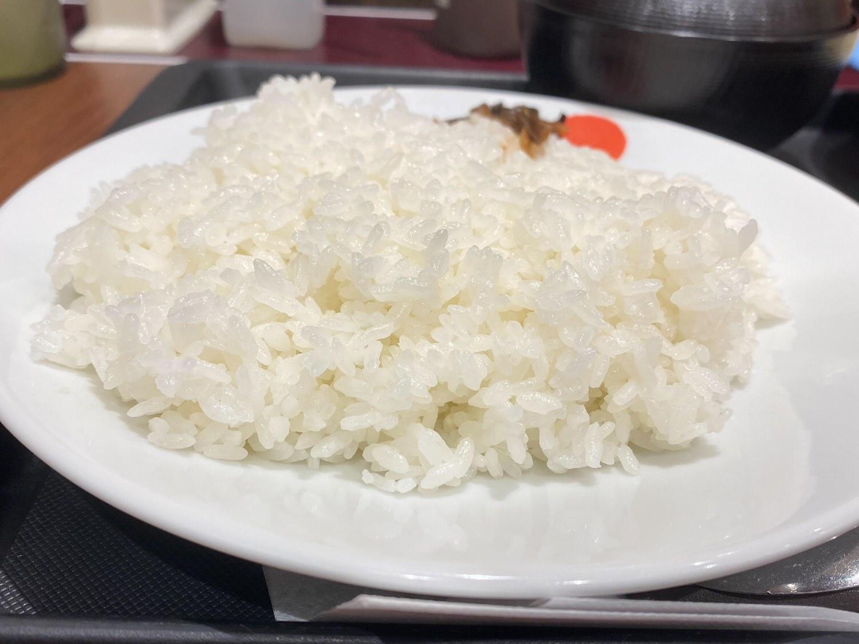 松屋「ごろごろチキンのバターチキンカレー」 06 04